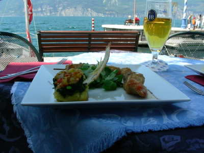 A beautiful lunchtime fish dish by the lake!