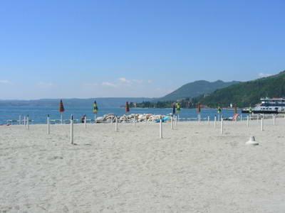 The wonderful sandy beach, facing south at Maderno