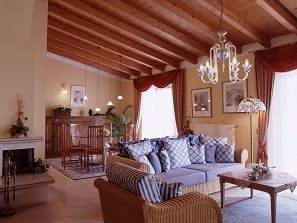Lounge area in the Piccola Italia residence, near Tremosine