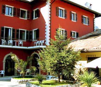 Outside residence Seggatini at Riva