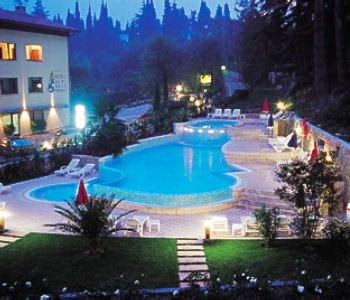 The swimming pool area in the Spiaggia, near Malcesine