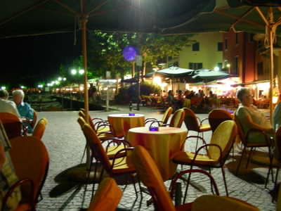 At the town of Garda you can often enjoy live music while you dine outside in the evenings