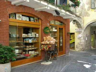 Local food shop at Garda