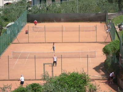 3 tennis courts in Malcesine