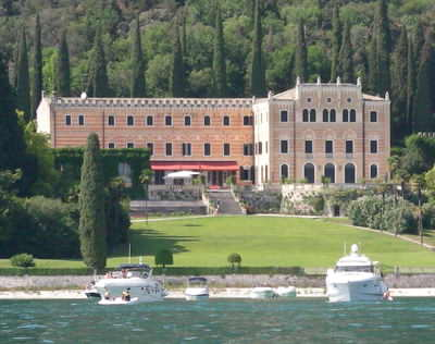 Fancy staying in a beautiful villa?